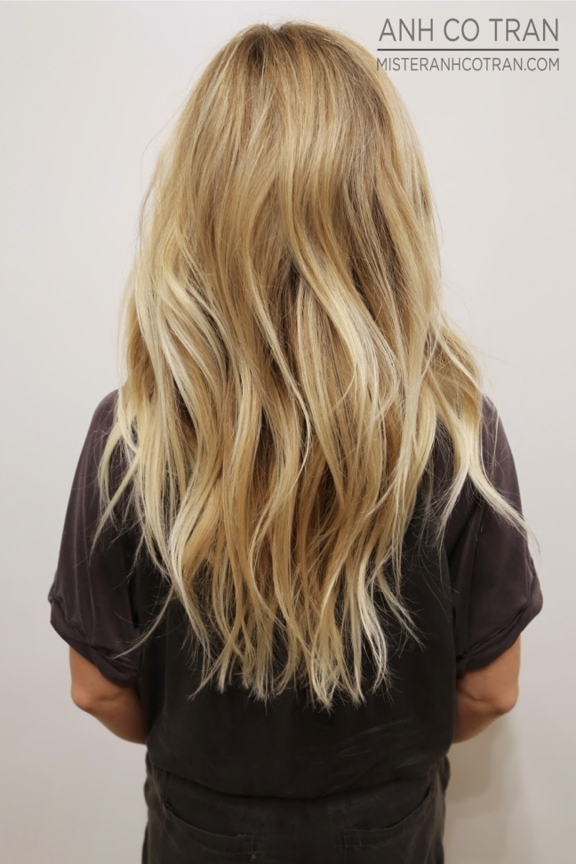 beachy blonde hairstyle