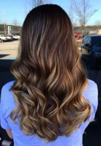 soft brunette ombre balayage highlights