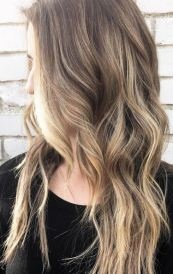 spring hair trends - natural dark blonde