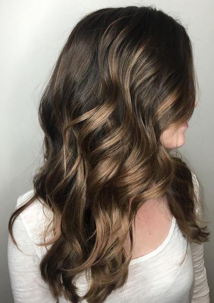 beautiful brunette balayage highlights