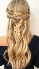 half up half down updo idea