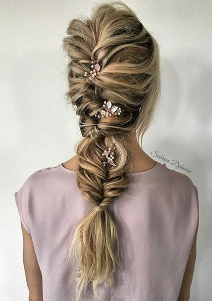 Hair styles mane interest for Fish tails braid
